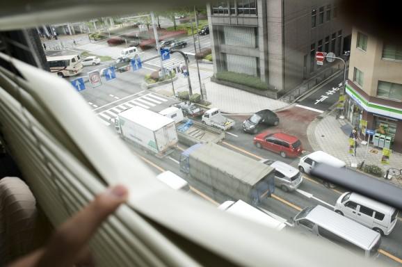 会社の窓から四つ橋筋が
